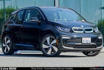 Fluid Black w/BMW i Frozen Blue Accent