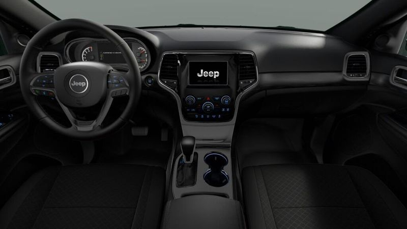 2020 Jeep Grand Cherokee Laredo EImage 3