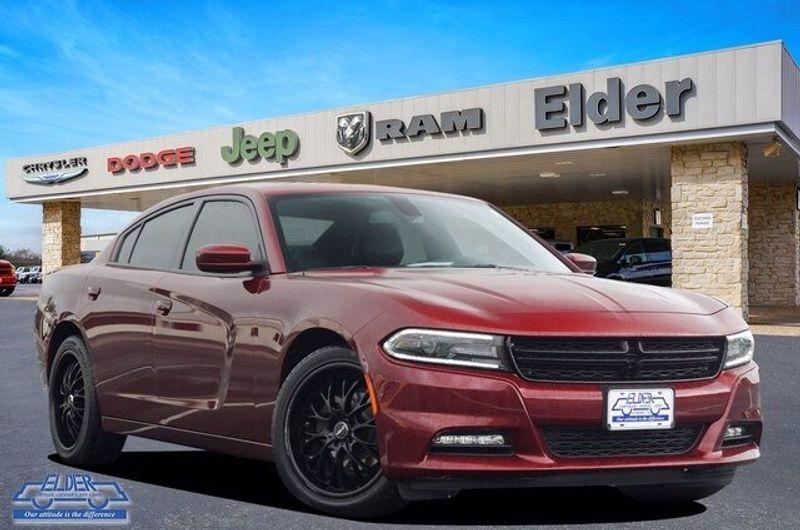 2018 Dodge Charger SXT PLUSImage 1