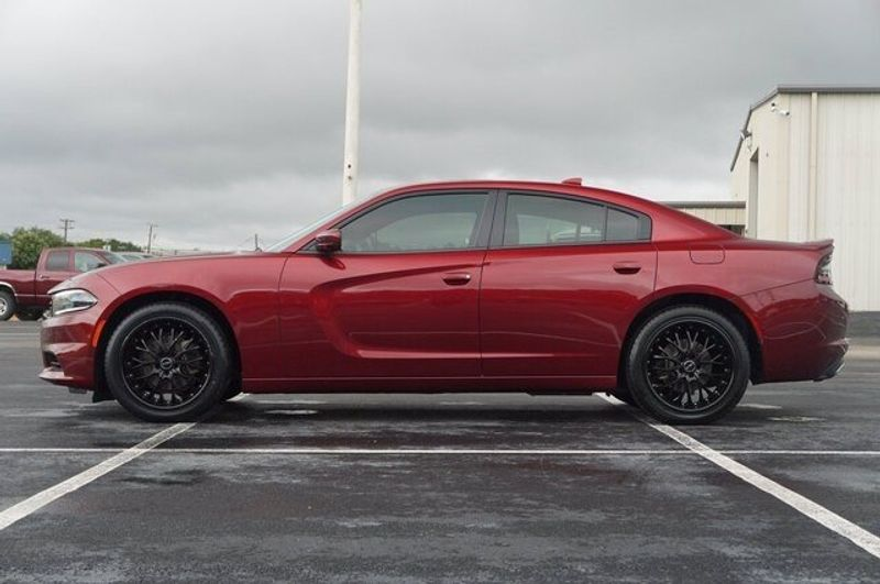 2018 Dodge Charger SXT PLUSImage 3