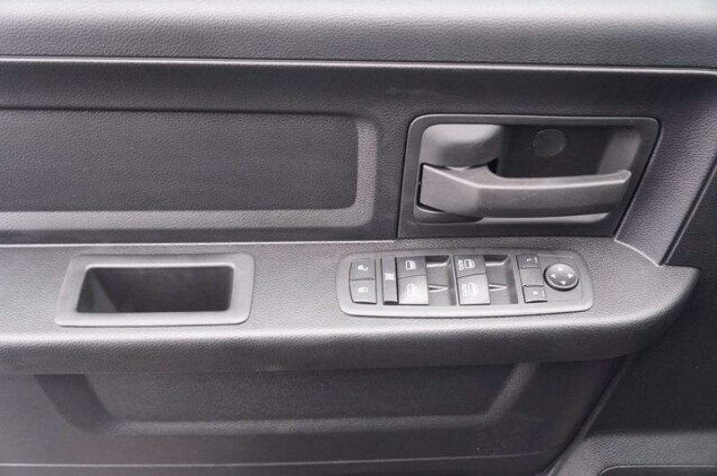 2021 RAM 1500 CLASSIC TRADESMAN QUAD CAB 4X2 6