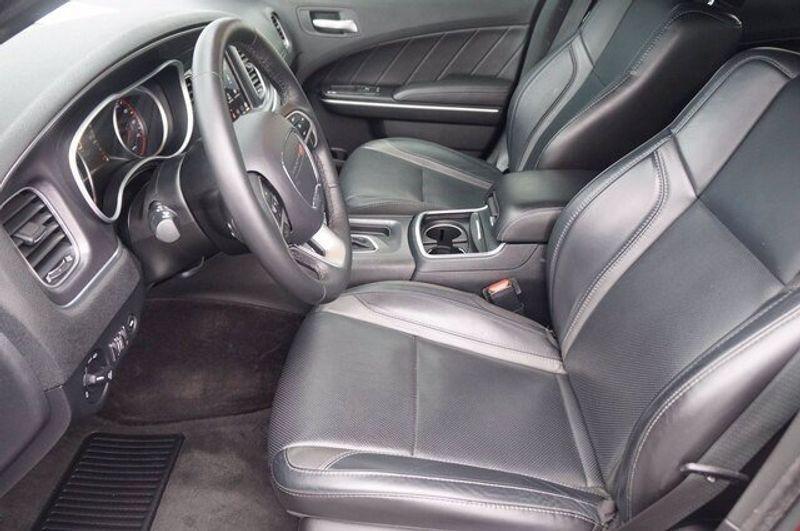 2018 Dodge Charger SXT PLUSImage 11