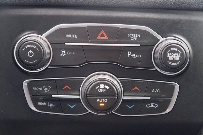 2018 Dodge Charger SXT PLUSImage 16