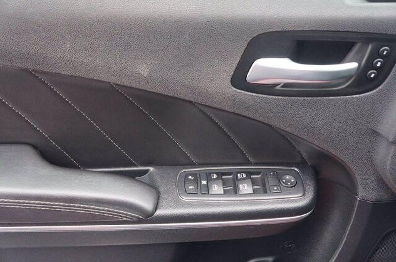 2018 Dodge Charger SXT PLUSImage 19