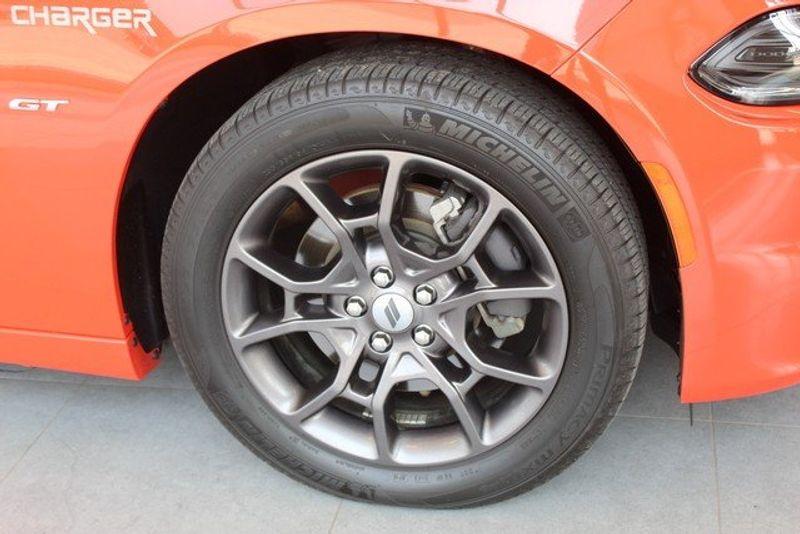 2018 Dodge Charger GTImage 3
