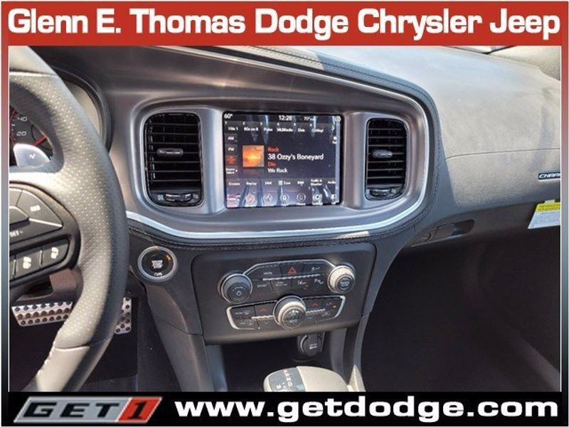 2021 DODGE CHARGER R/TImage 10