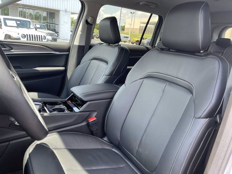 2021 JEEP GRAND CHEROKEE L LIMITED 4X2Image 14