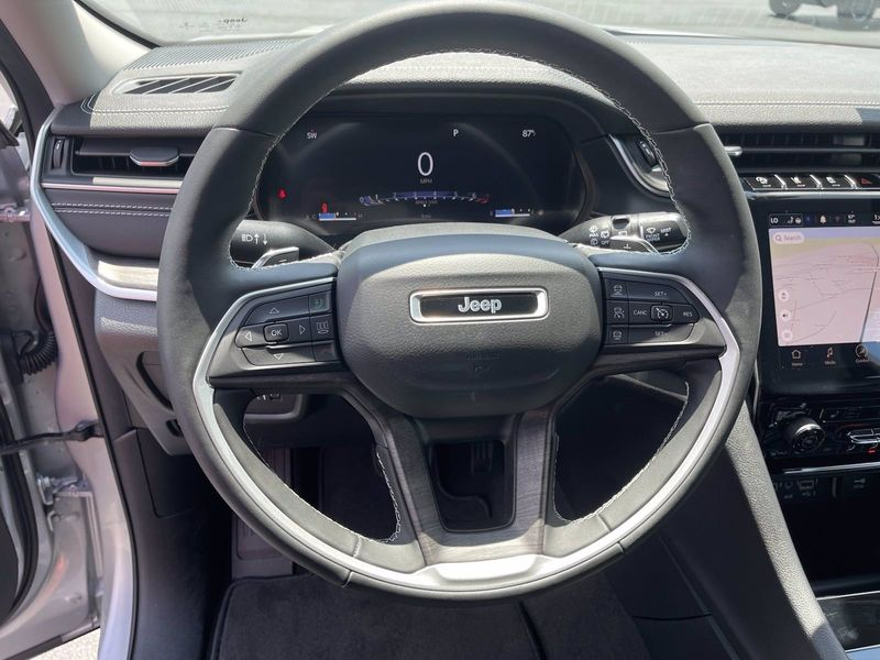 2021 JEEP GRAND CHEROKEE L LIMITED 4X2Image 15