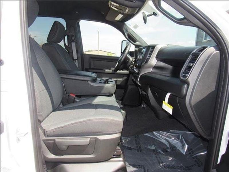 2021 RAM 3500 TRADESMAN CREW CAB CHASSIS 4X4 60 CAImage 9