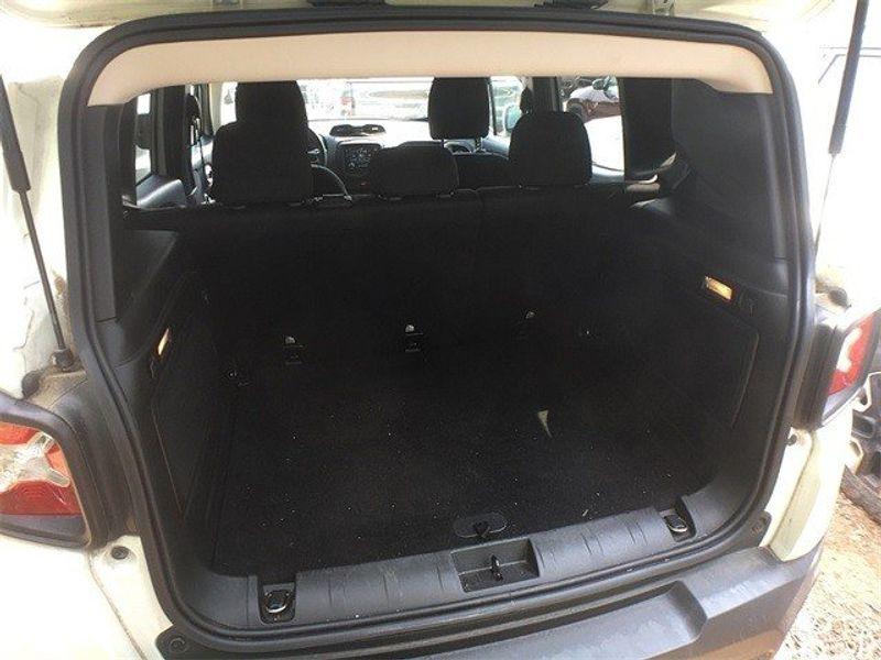 2015 Jeep Renegade LatitudeImage 11