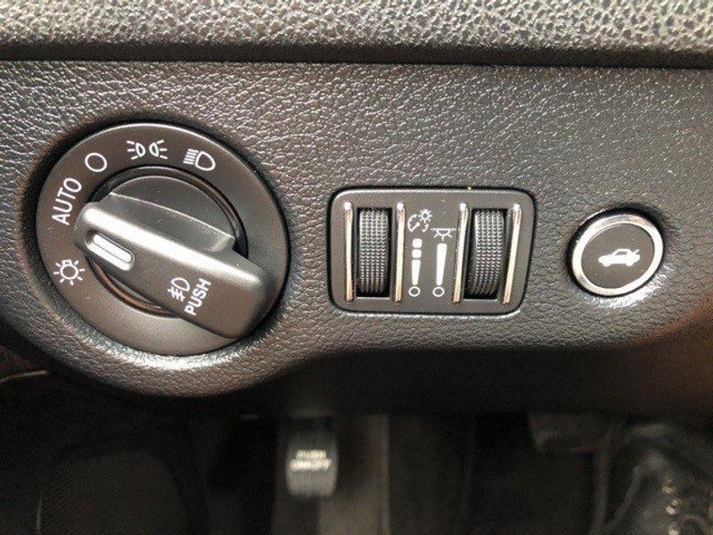 2018 Dodge Charger GTImage 37