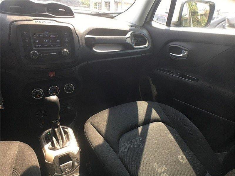 2015 Jeep Renegade LatitudeImage 13