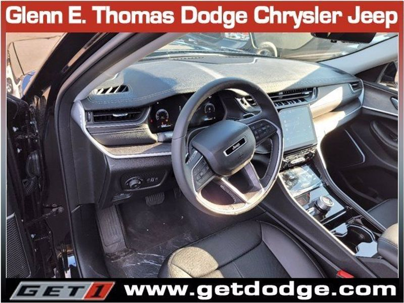 2021 JEEP GRAND CHEROKEE L LIMITED 4X4Image 8