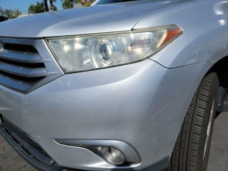 2011 Toyota Highlander BaseImage 6