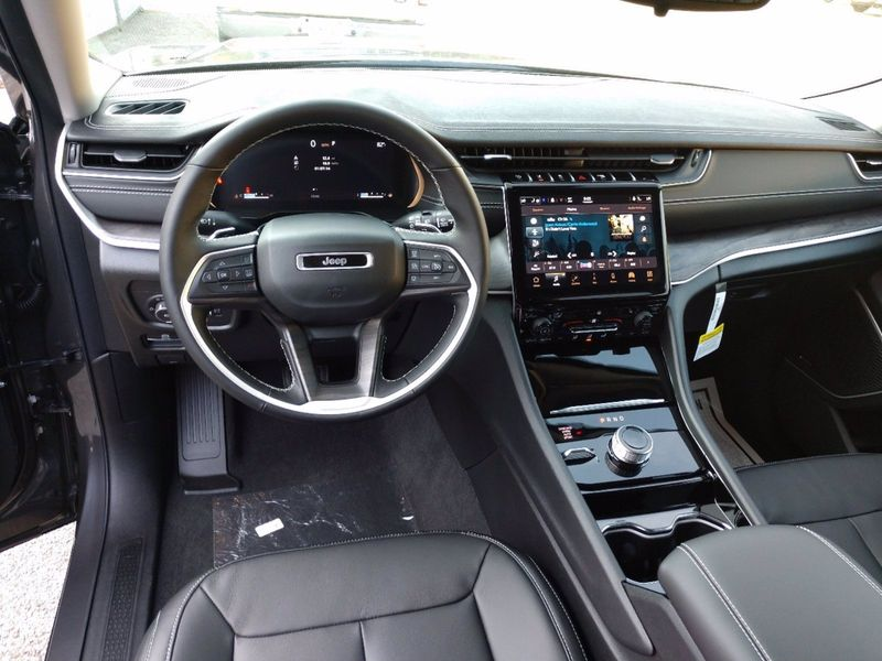 2021 JEEP GRAND CHEROKEE L LIMITED 4X4Image 13
