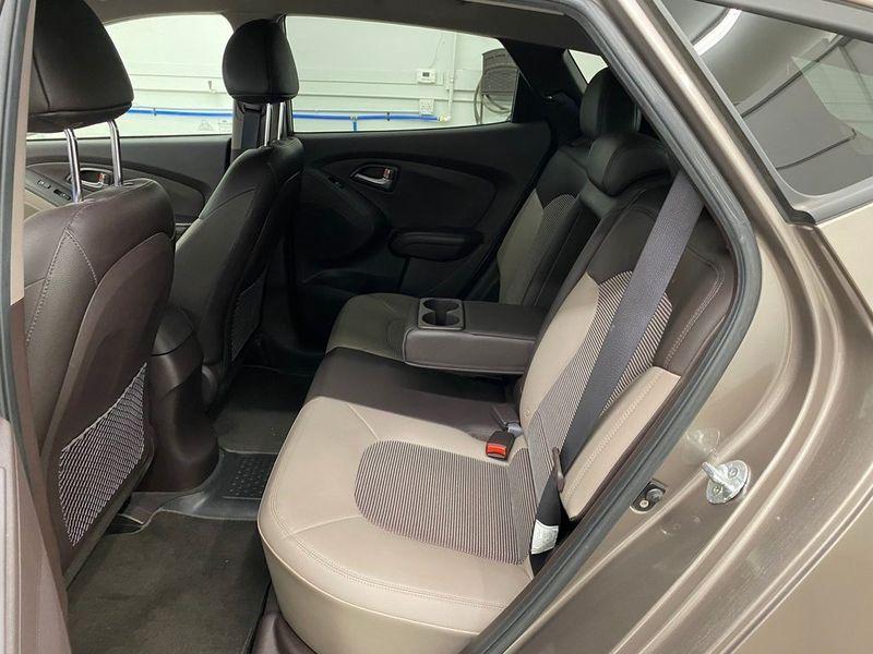 2012 Hyundai Tucson GLSImage 16