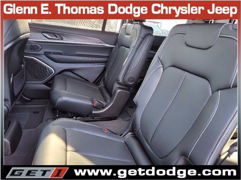 2021 JEEP GRAND CHEROKEE L LIMITED 4X4Image 12