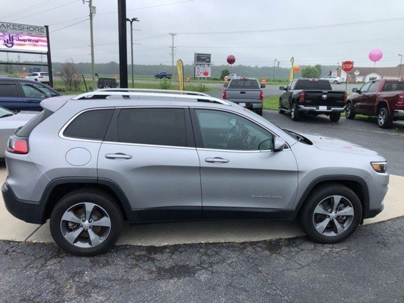 2019 Jeep Cherokee LimitedImage 8