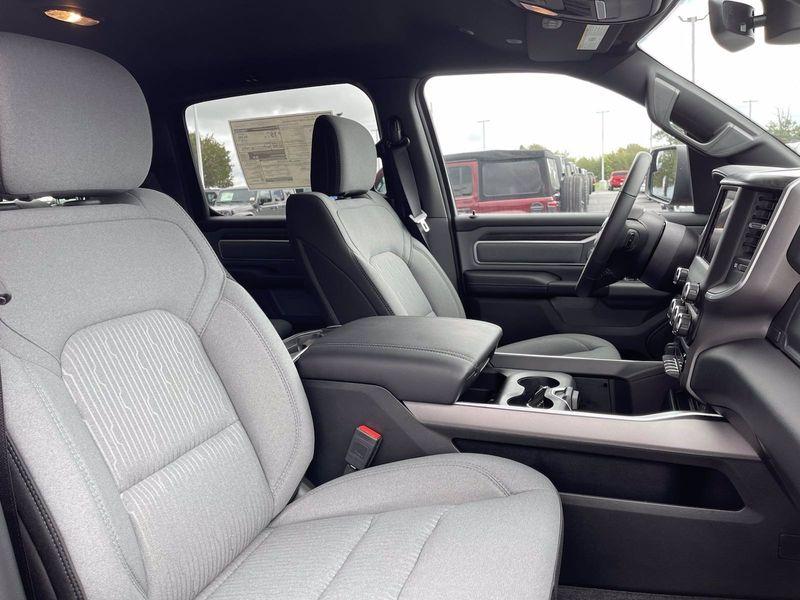 2021 RAM 1500 BIG HORN CREW CAB 4X4 5