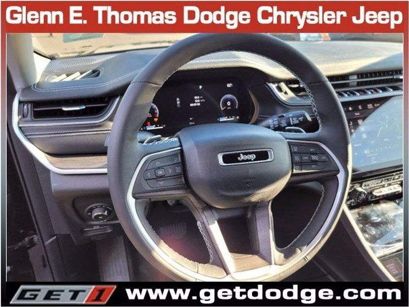 2021 JEEP GRAND CHEROKEE L LIMITED 4X4Image 11