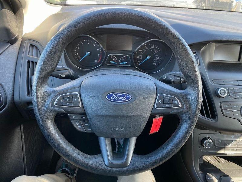 2018 Ford Focus SEImage 2