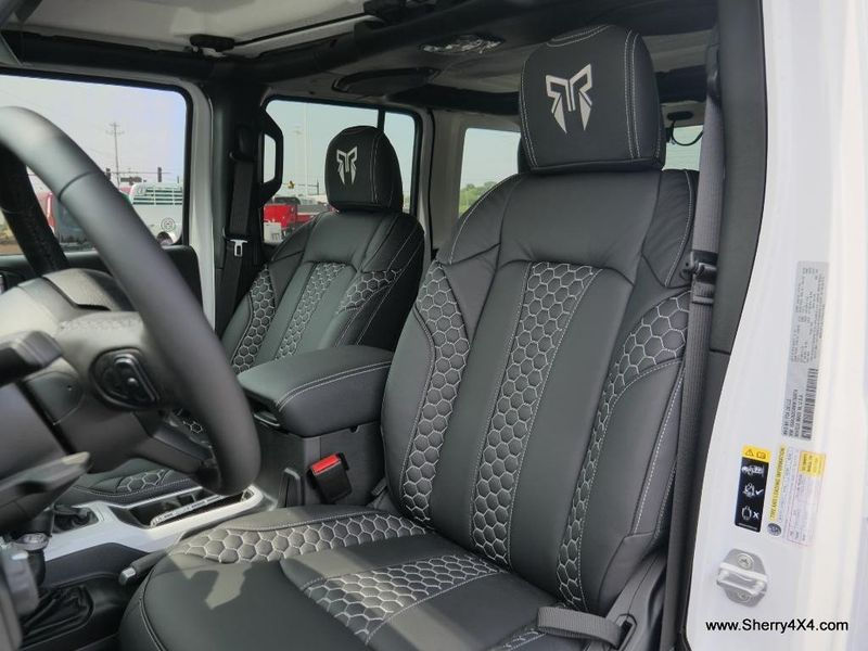 2021 JEEP WRANGLER UNLIMITED SPORT S 4X4Image 2