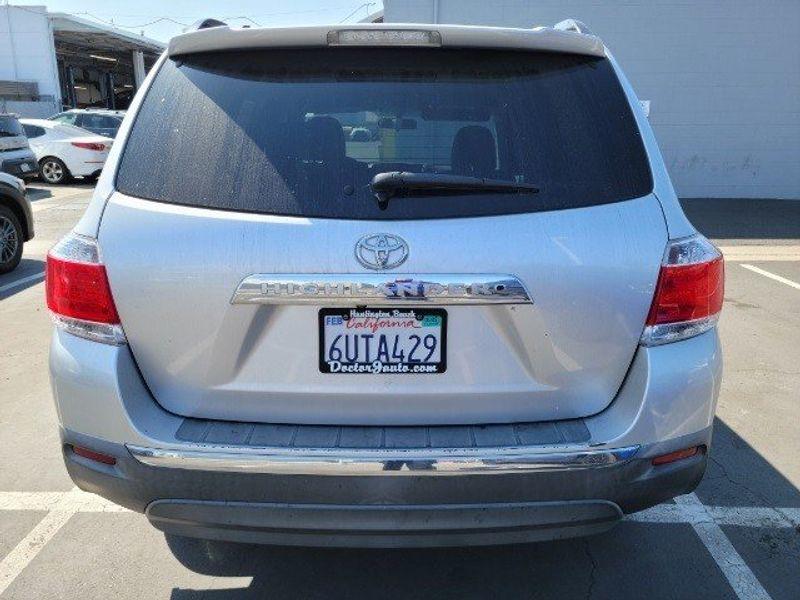 2011 Toyota Highlander BaseImage 9