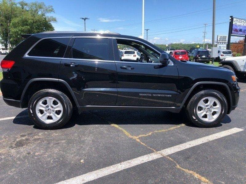2017 Jeep Grand Cherokee LaredoImage 8