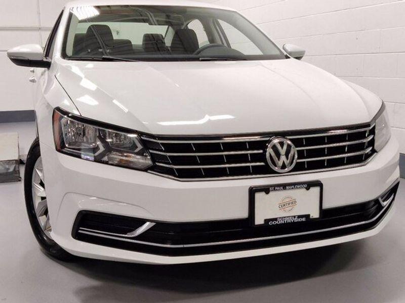 2018 Volkswagen Passat 2.0T SImage 2