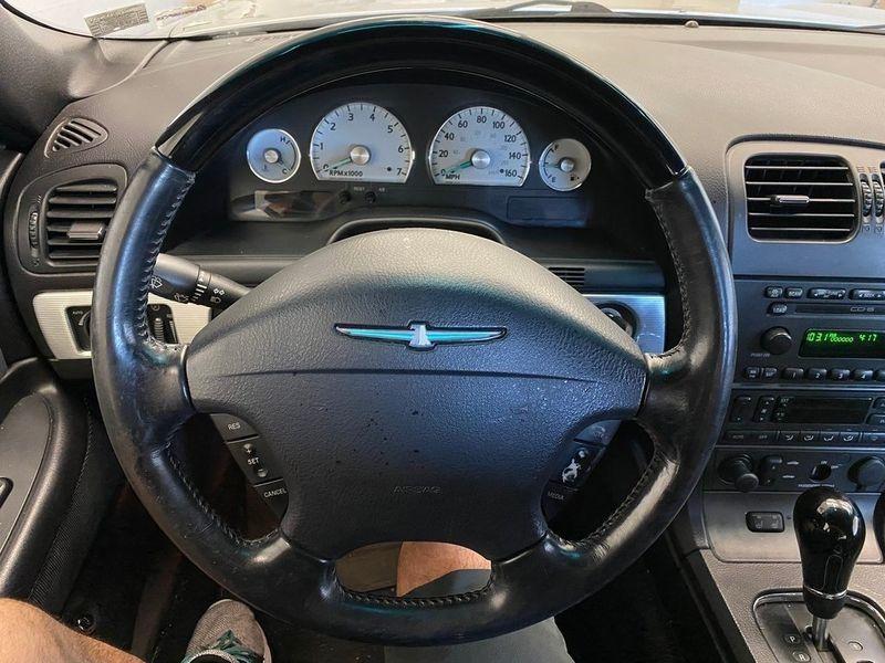 2004 Ford Thunderbird BaseImage 2