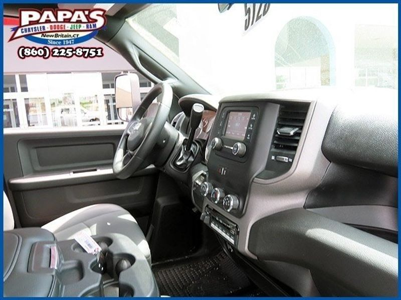 2021 Ram 3500 Chassis Cab TradesmanImage 8