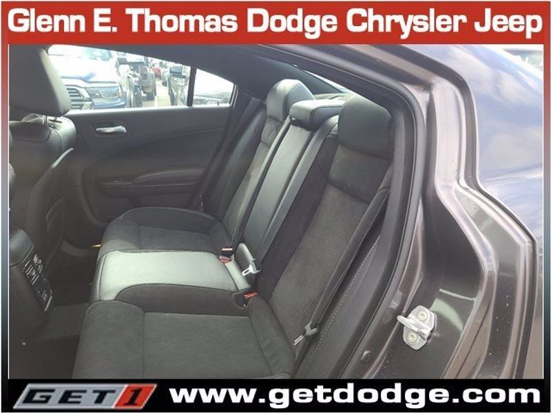 2021 DODGE CHARGER R/TImage 12