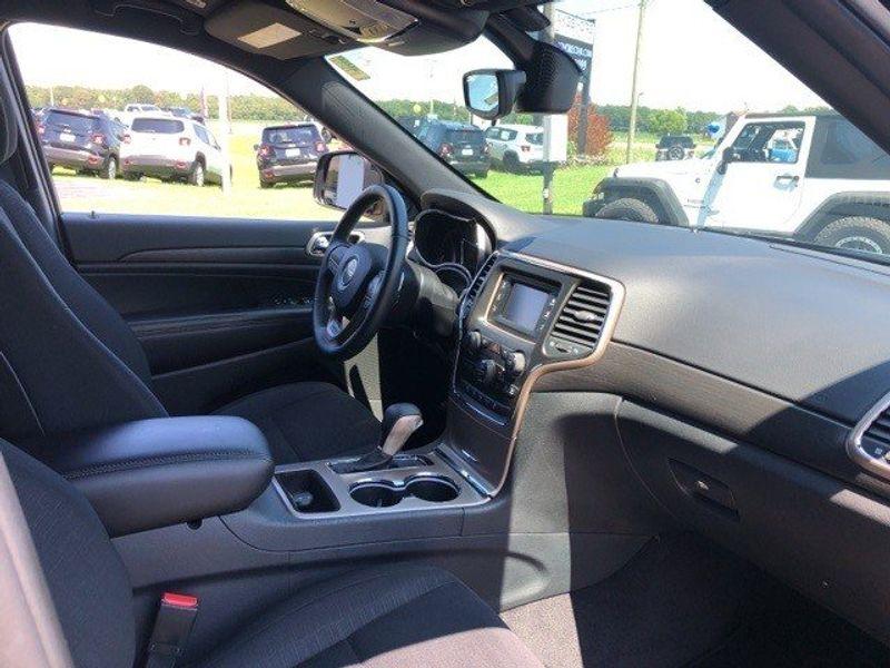 2017 Jeep Grand Cherokee LaredoImage 23