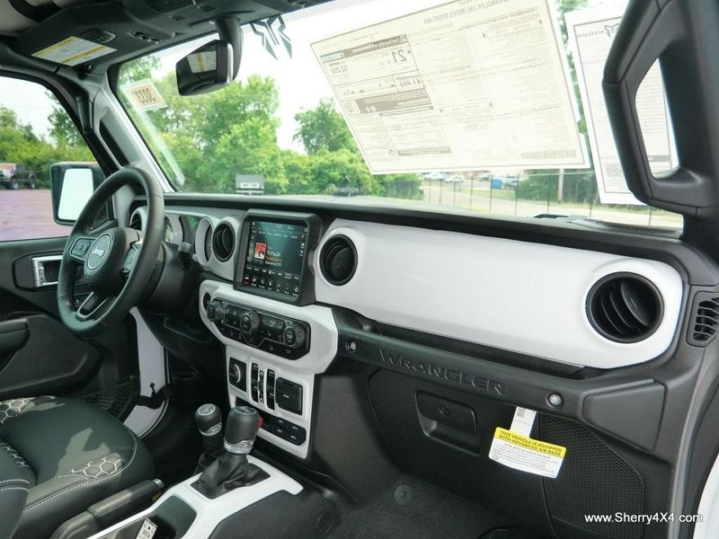 2021 JEEP WRANGLER UNLIMITED SPORT S 4X4Image 38