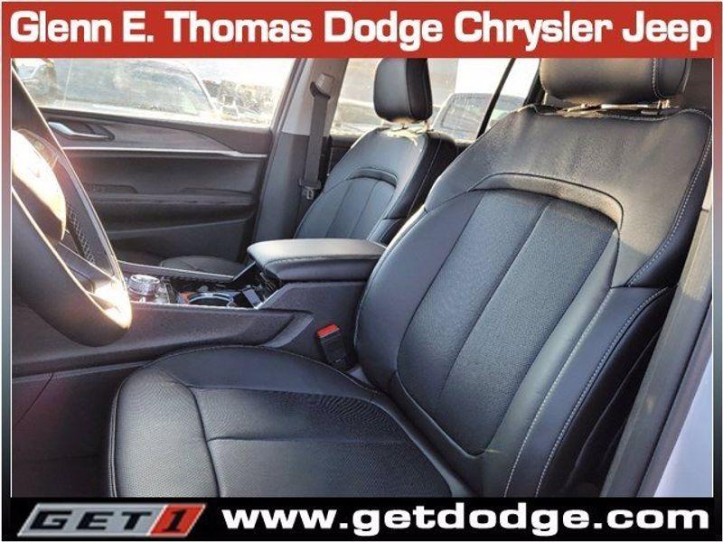 2021 JEEP GRAND CHEROKEE L LIMITED 4X4Image 9