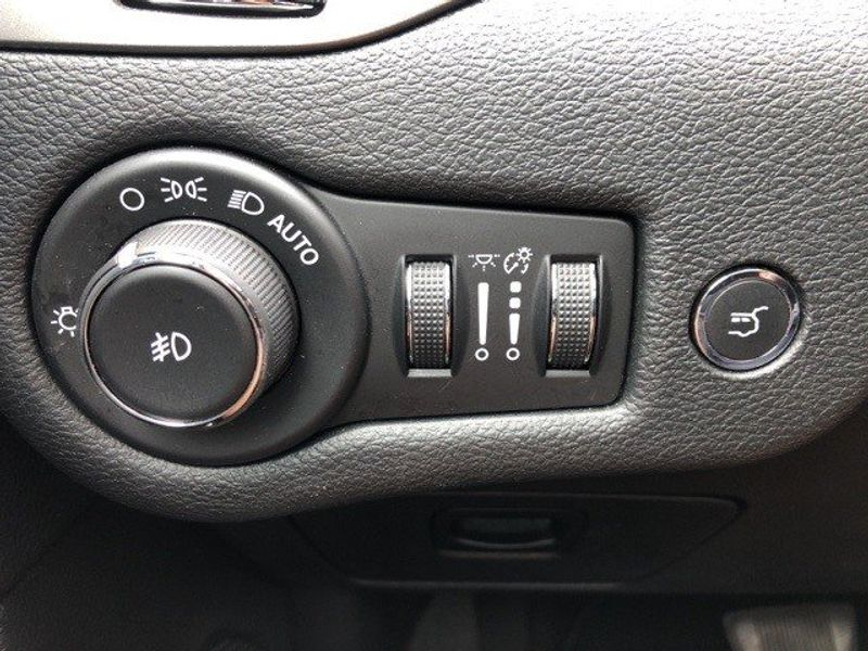 2019 Jeep Cherokee LimitedImage 46