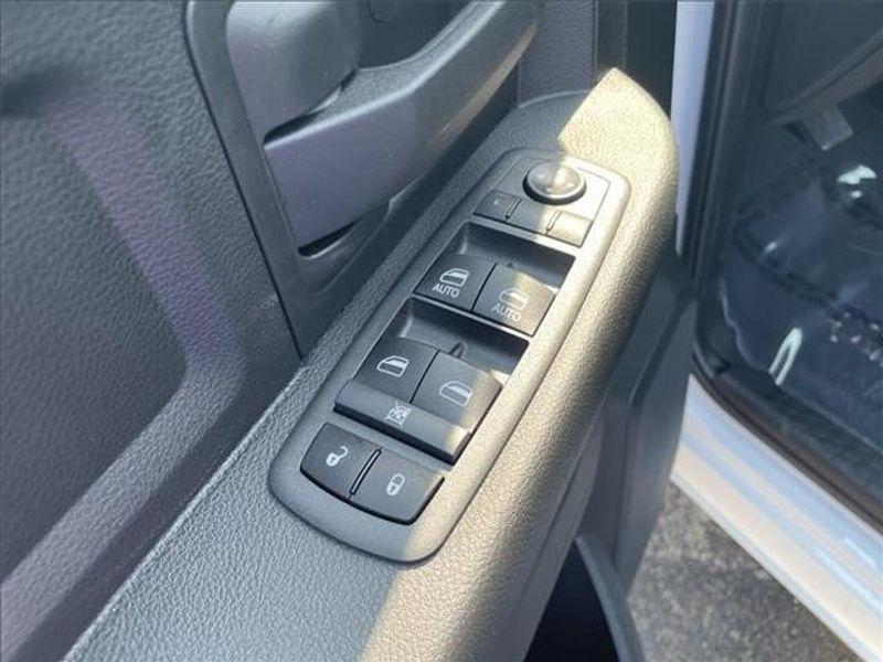 2021 RAM 3500 TRADESMAN CREW CAB 4X4 8