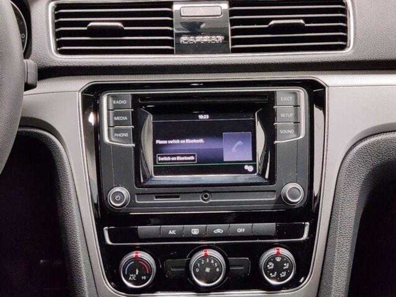 2018 Volkswagen Passat 2.0T SImage 13