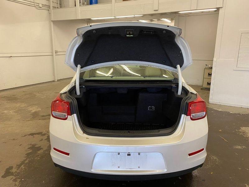 2013 Chevrolet Malibu EcoImage 9