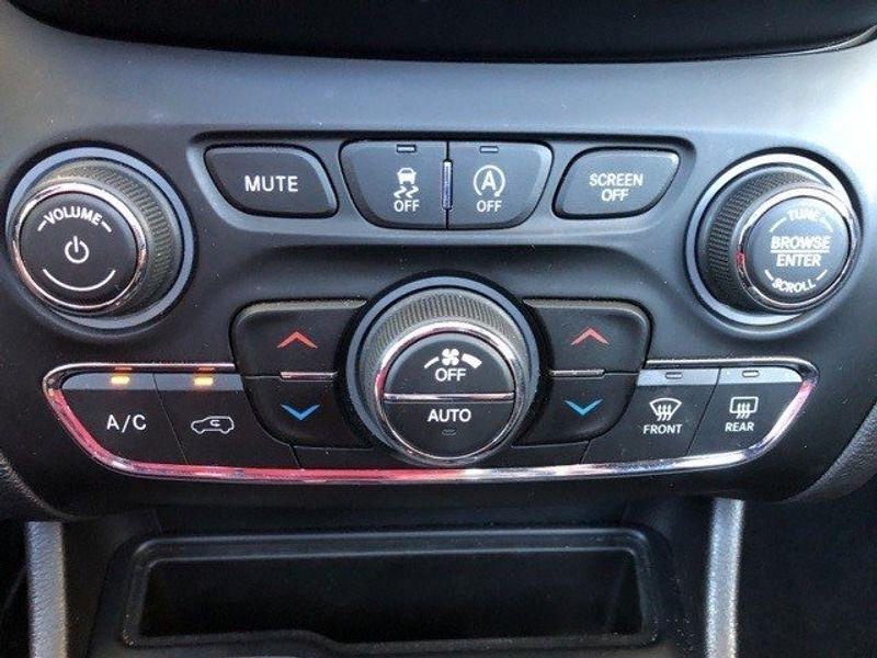 2019 Jeep Cherokee LimitedImage 41
