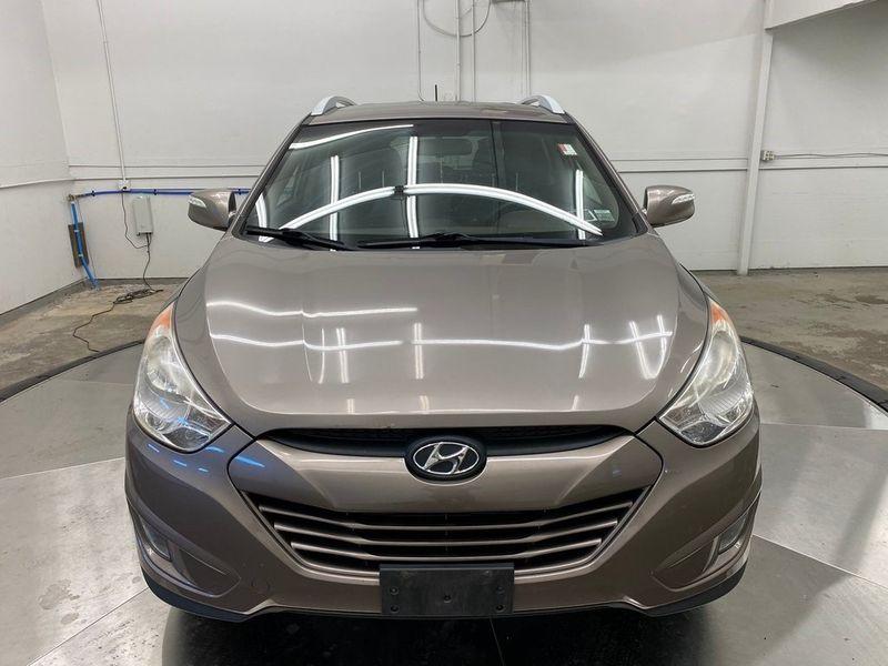 2012 Hyundai Tucson GLSImage 7