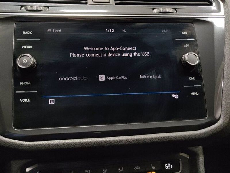 2019 Volkswagen Tiguan SEL 4-Motion AWD w/SunroofImage 24