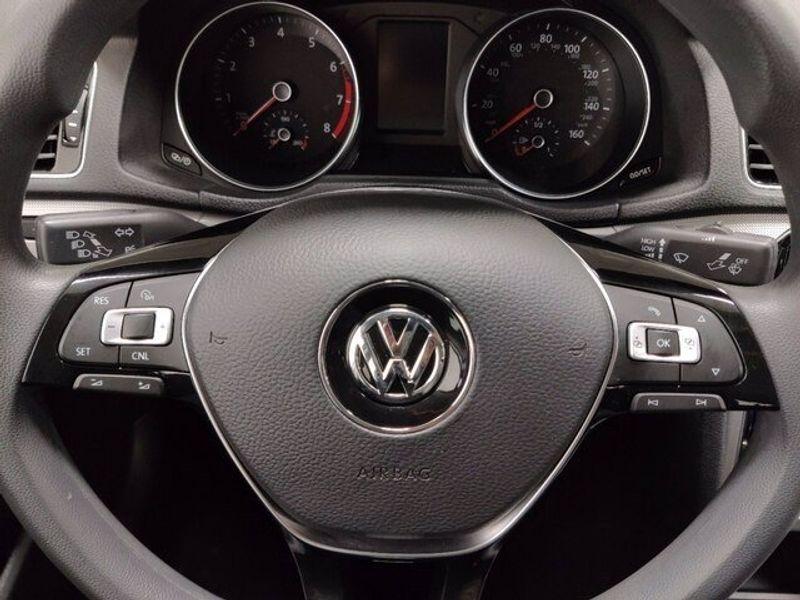 2018 Volkswagen Passat 2.0T SImage 19