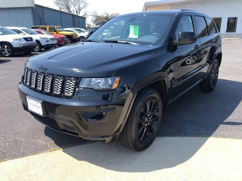 2019 Jeep Grand Cherokee AltitudeImage 3