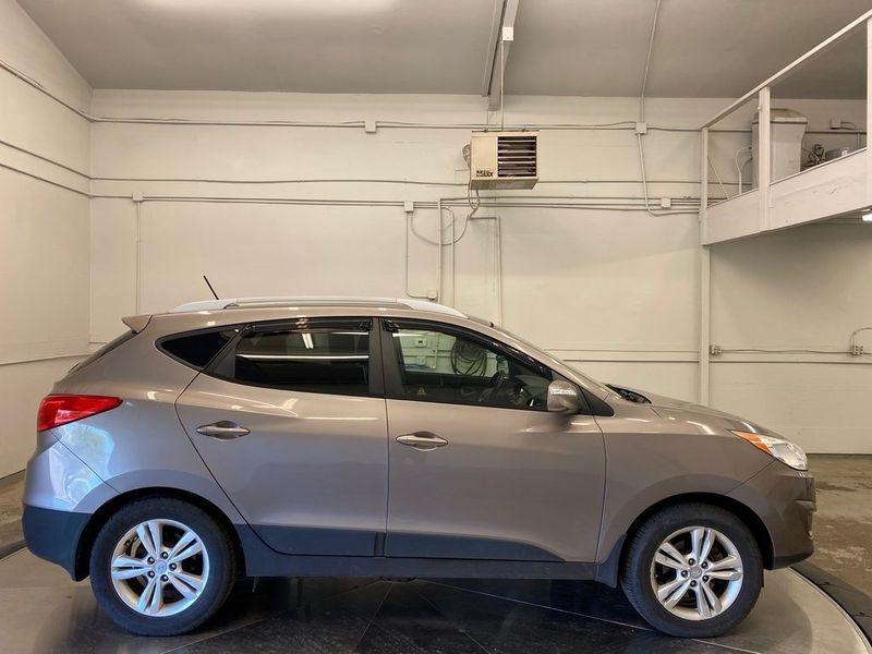 2012 Hyundai Tucson GLSImage 6