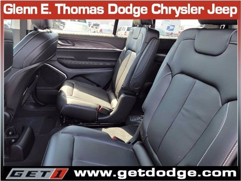 2021 JEEP GRAND CHEROKEE L LIMITED 4X2Image 12