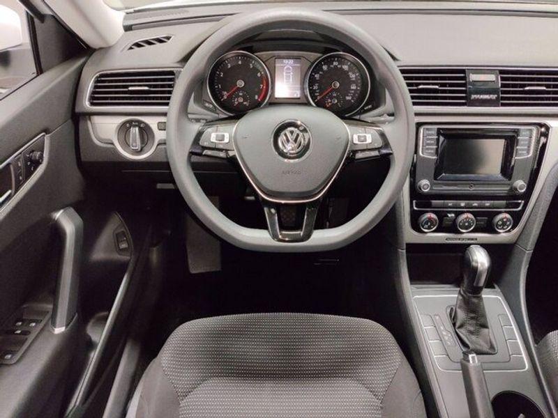 2018 Volkswagen Passat 2.0T SImage 12