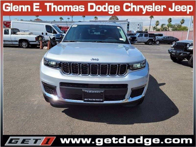 2021 JEEP GRAND CHEROKEE L LIMITED 4X2Image 2