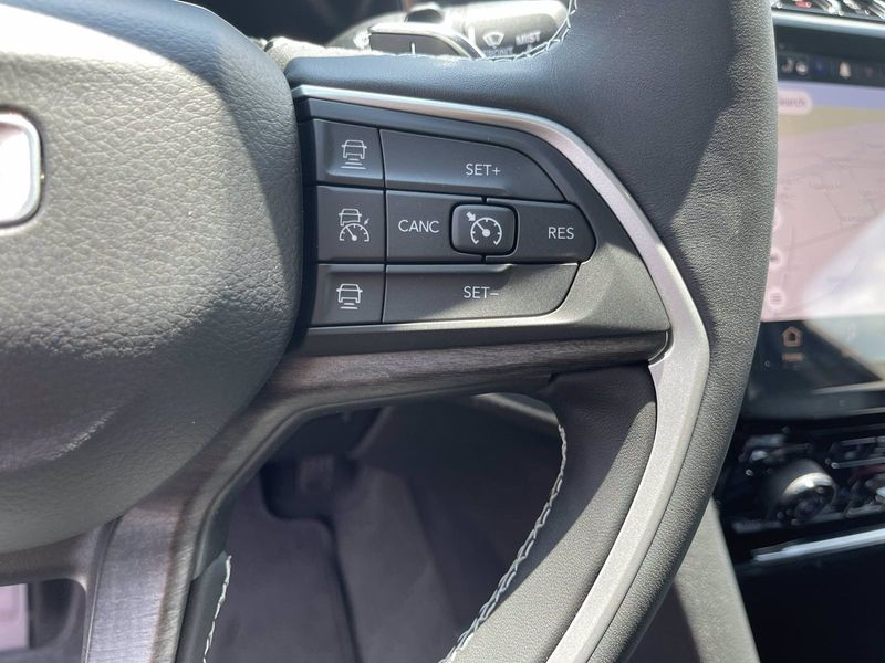 2021 JEEP GRAND CHEROKEE L LIMITED 4X2Image 17
