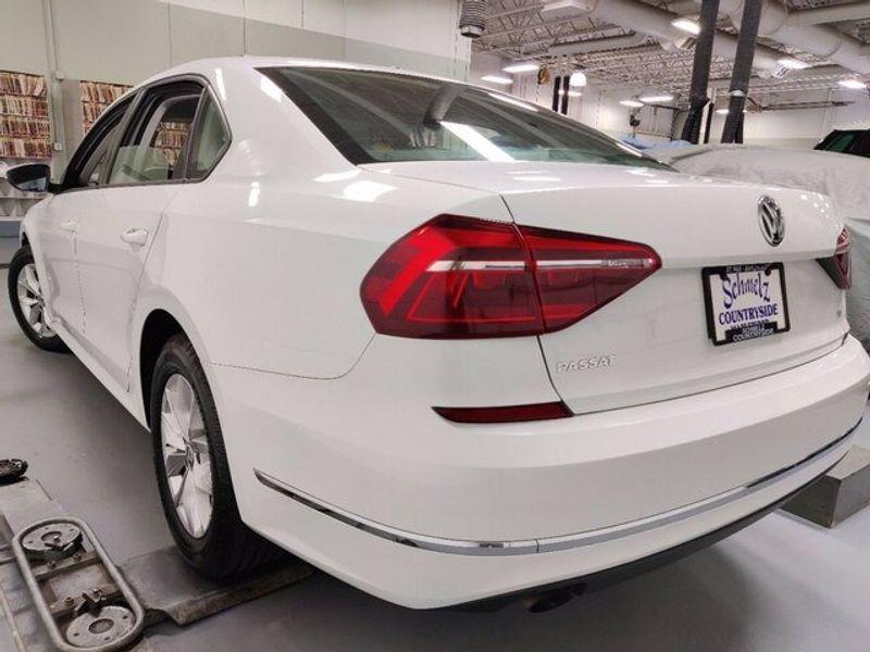 2018 Volkswagen Passat 2.0T SImage 6
